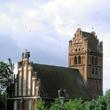Lwowiec na Warmii to jedna z najbardziej znanych w Polsce tzw. Bocianich kolonii. W ostatnich latach gniazdowało tu niekiedy ponad 30 bocianich par, z czego 10 na samym tylko kościele. (foto P. Szymoński)